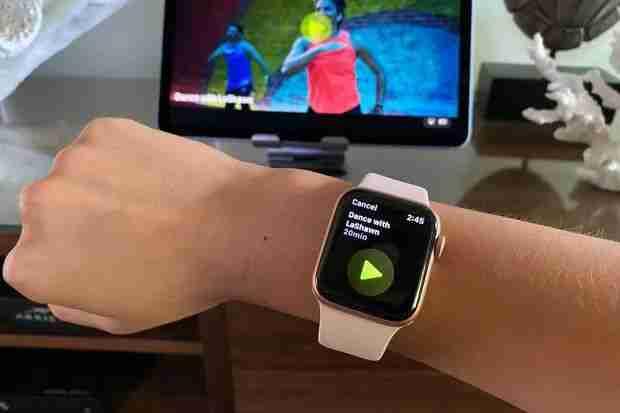 Apple Watch Series 6 vs Apple Fitness plus