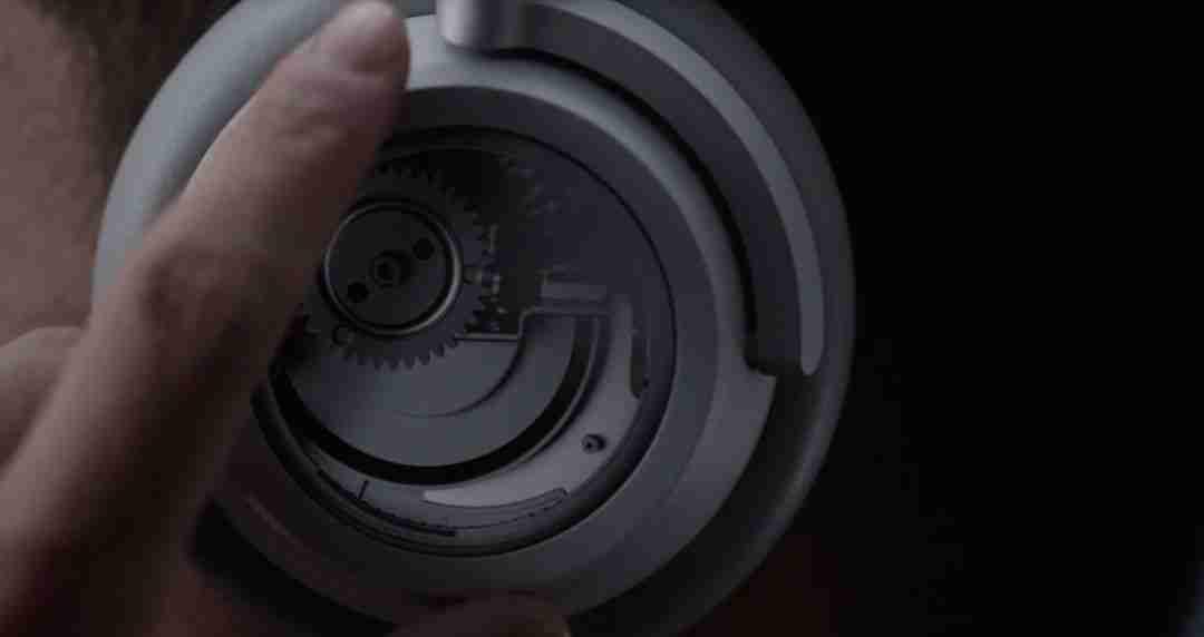 2-Surface Headphone 的环形旋钮